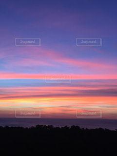 背景の夕日の写真・画像素材[1715674]