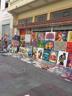 ストリートで絵画販売の写真・画像素材[943763]