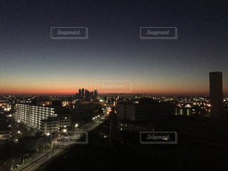 街の明け方の写真・画像素材[943773]