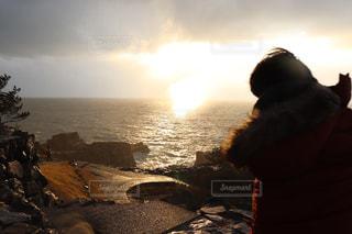 東尋坊での夕日の写真・画像素材[943993]