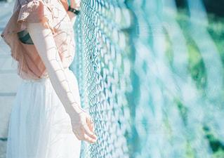 青いドレスの人の写真・画像素材[997579]