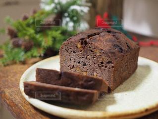 チョコレートパウンドケーキの写真・画像素材[945628]