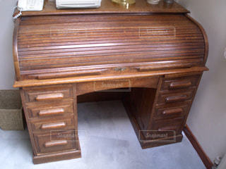 木の机の写真・画像素材[948201]