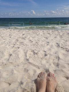 海の横にある砂浜のビーチ - No.947214