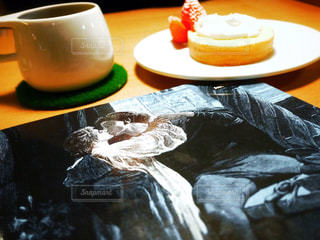クローズ アップ食べ物の皿とコーヒー カップ - No.956451
