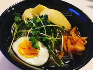 鮮やかな冷麺の写真・画像素材[947635]