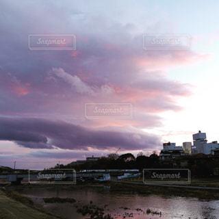 雲が迫るの写真・画像素材[948339]