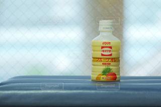 おでかけの休憩で飲むフルーツオレ - No.948483