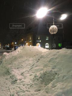 スウェーデンの雪に覆われた街の写真・画像素材[985944]