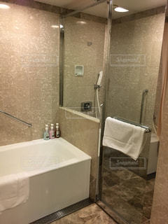ホテルのバスルームの写真・画像素材[948630]