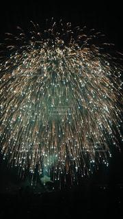 空に花火の写真・画像素材[949718]