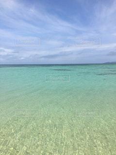 海の横にある水の体 - No.949907