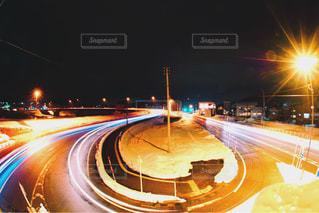 夜、トラックの鉄道の写真・画像素材[952103]