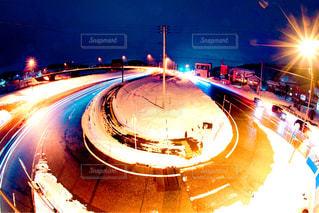 夜に光の停止の写真・画像素材[952104]