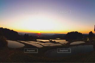 背景の夕日 - No.952152