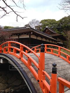 世界遺産 京都/下鴨神社の建物と橋の写真・画像素材[950719]