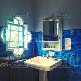 朝の洗面台の写真・画像素材[951705]
