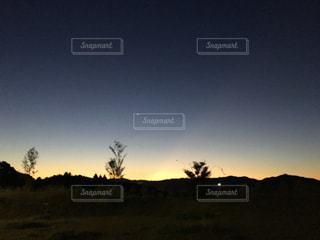 夜明け前の空の写真・画像素材[953366]