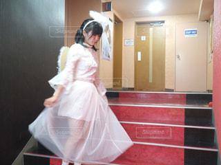 ピンクのドレスの女の子の写真・画像素材[951766]