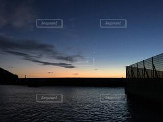 海に沈む夕日の写真・画像素材[757573]