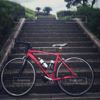 ロードバイクと階段 - No.973965