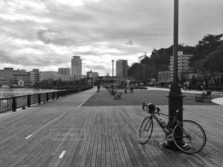 公園の自転車 - No.979426