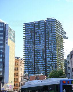 植物と融合した高層ビルの写真・画像素材[953014]