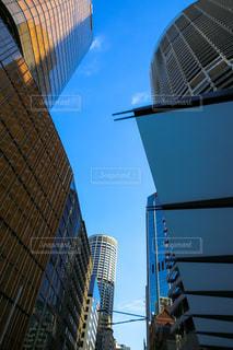 高い建物と都市のビューの写真・画像素材[955458]