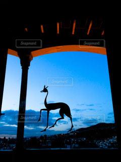 オブジェと夜景の写真・画像素材[955531]