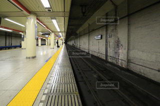地下鉄のプラットフォームの写真・画像素材[955571]