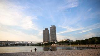 海と都会の融合の写真・画像素材[955588]