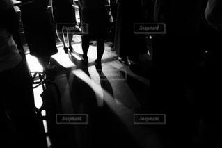 暗い部屋の写真・画像素材[953239]