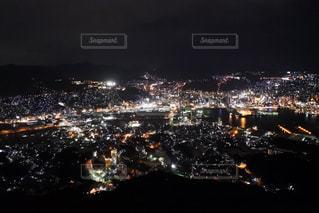 夜の街の景色の写真・画像素材[953250]