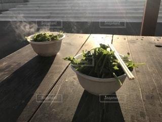 朝市で見つけたせり鍋の写真・画像素材[954532]