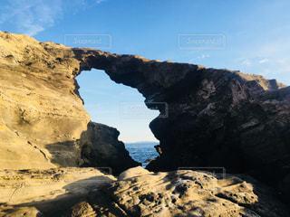 三浦半島三崎 城ヶ島の馬の背洞門の写真・画像素材[959019]