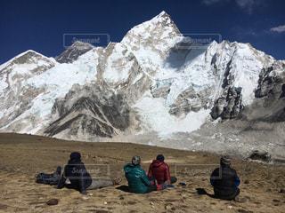 エベレストを眺めながらの写真・画像素材[958017]
