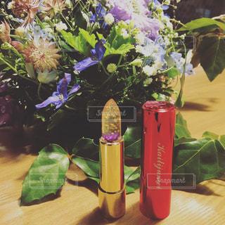 花とリップの写真・画像素材[1057676]