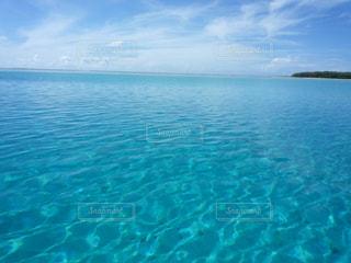 水の大きな体の写真・画像素材[957609]