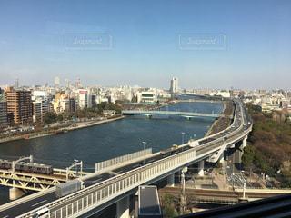 ビルから眺めた川の写真・画像素材[1845307]