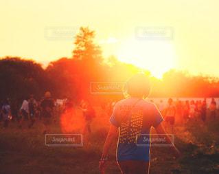 フェスと夕焼けの写真・画像素材[1244048]