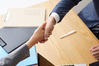 握手の写真・画像素材[1707511]