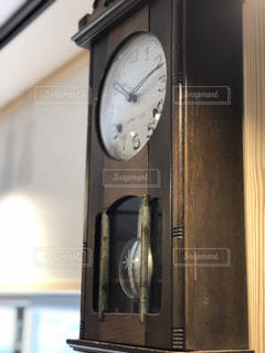振り子時計の写真・画像素材[2066917]