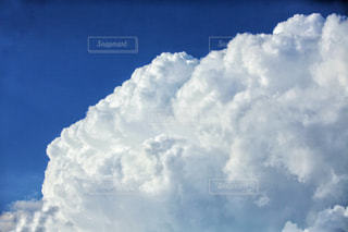 空には雲のグループの写真・画像素材[1178704]