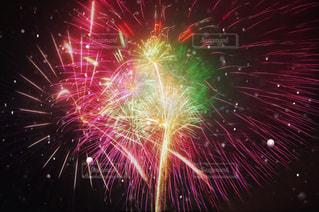 空に花火の写真・画像素材[1178709]