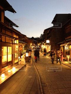 夕暮れ時の京都の写真・画像素材[962486]