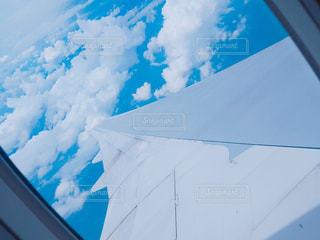飛行機の窓からの写真・画像素材[962507]