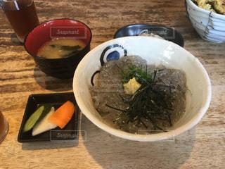 生しらす丼の写真・画像素材[962833]