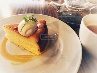 甘さひかえめチーズケーキの写真・画像素材[1156435]