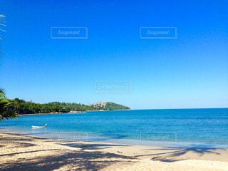 海の横にある砂浜のビーチの写真・画像素材[964248]