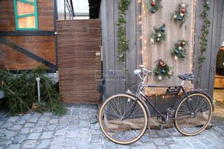 ヨーロッパの小径の自転車の写真・画像素材[1636793]